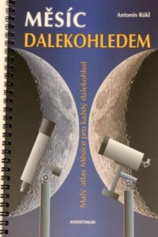 Měsíc dalekohledem
